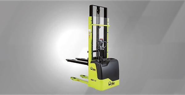 The  Electric Stacker line offers a wide range of lifting solutions for the warehouse. These are stackers designed for narrow spaces and large warehouses, covering a wide variety of uses from light to heavy duty applications.