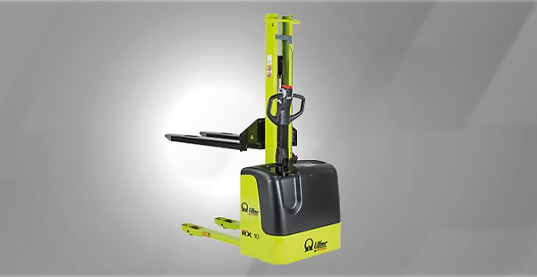The most compact electric stackers – the RX machines have a single mast handling loads up to 1,000 Kg and up to 1,600 mm of elevation