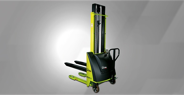 The TX Series are characterized is a manual stacker with electrohydraulic lifting technology. Version 12 (1.2 t) includes polyurethane wheels as standard to reduce resistance and effort required even when loaded to capacity.